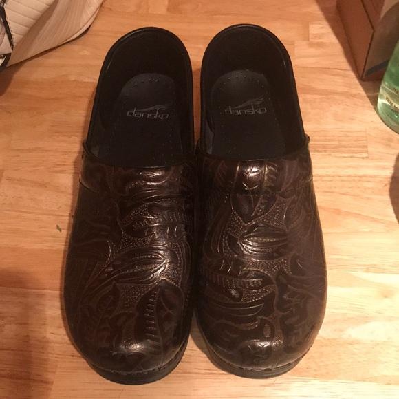 Dansko Shoes - Dansko leather clogs